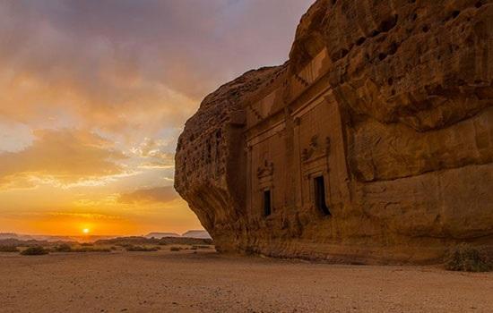 В древнем районе Аль-Ула наследный принц Саудовской Аравии запускает проекты мегатуризма