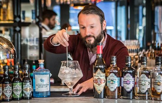Замок Эшфорд в Ирландии предлагает каждому гостю продегустировать джин