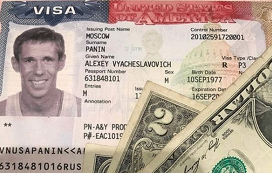 Скандальный российский актер Панин прощается с «немытой Россией», эмигрируя в США