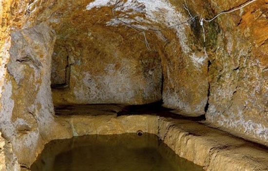 Огромное количество людей опускаются в подземелье, чтобы увидеть загадочный город на северо-востоке Турции