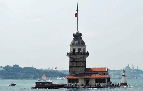 Девичья башня или Леандера — одна из самых востребованных достопримечательностей Стамбула
