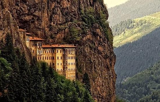 Монастырь Сумела откроется для посещения 25 мая после реставрации
