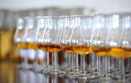 Шотландия целый май отмечает праздники, посвященные виски