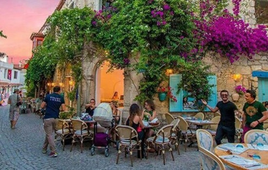 Алачаты — прекрасный курортный город на побережье Эгейского моря