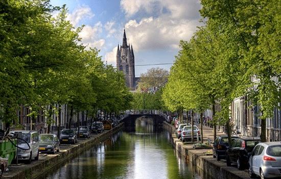 Какие существуют города с каналами помимо Венеции?