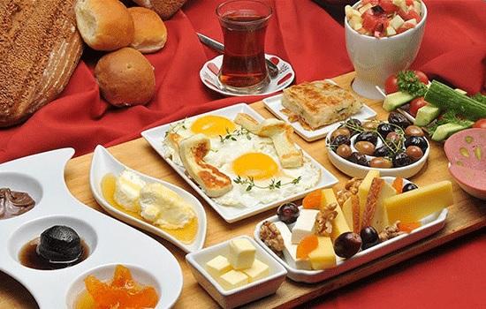 Как выглядит типичный турецкий завтрак?