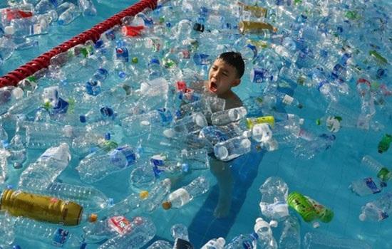 Всемирный день океанов призывает мир остановить утопление Земли в пластике
