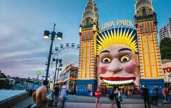 Луна-парк в Сиднее Winterfest предлагает комплекс мероприятий для всех посетителей