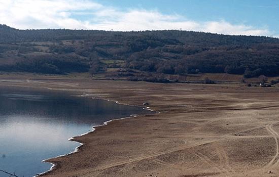 Турция сталкивается с жесткой битвой против засухи в регионе