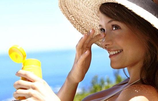 Как правильно выбрать и использовать солнцезащитные средства?