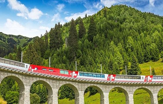 Путешествие на поезде — выбор многих современных туристов