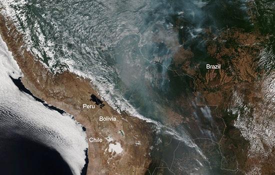Из-за сильного пожара в тропических лесах Амазонки туризм ослабевает