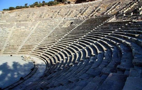 Трое известных теноров выступят на сцене в Бодрумском античном театре