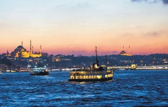 14 сентября состоится вечеринке на судне по Босфору в честь прощания с летом