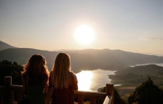 Каньон Инджениз в западной провинции Денизли завораживает посетителей своим живописным и захватывающим дух видом