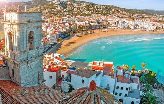 Испания продолжает оставаться на вершине популярных туристических направлений