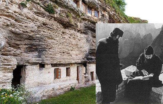 Самый большой скальный монастырь в Центральной Европе в Ципу