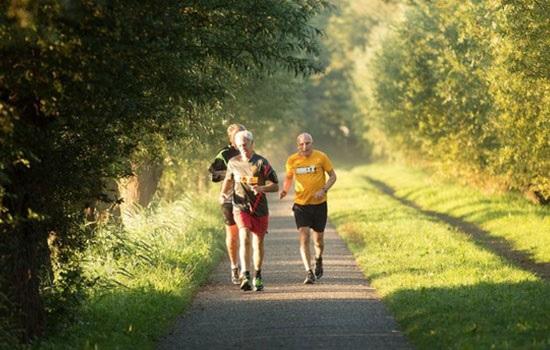 30-минутная прогулка каждый день помогает забыть о посещениях к доктору