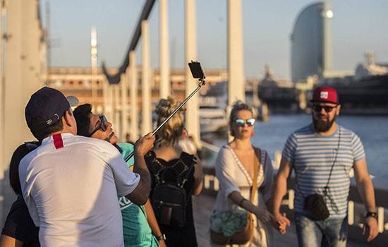 Туристическая налоговая инициатива Барселоны вызывает гнев гостиничной индустрии