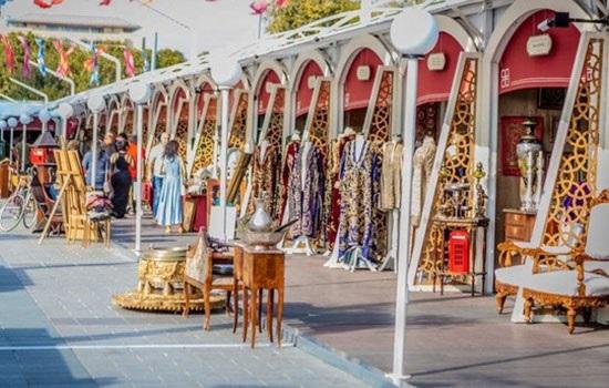 На историческом полуострове Стамбула проходит античный праздник