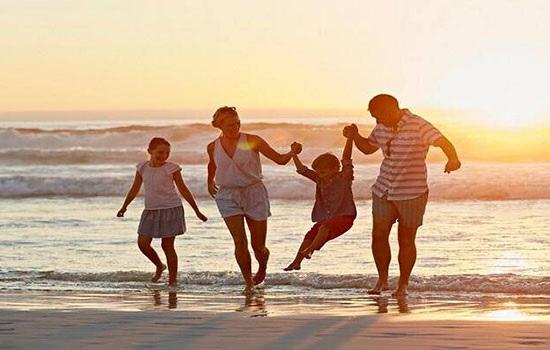 Что взять с собой на море во время отдыха с ребенком? Список необходимых вещей