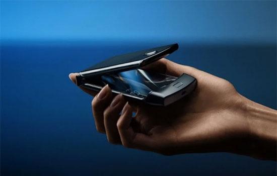 Motorola возрождает бренд Razr в виде складного смартфона