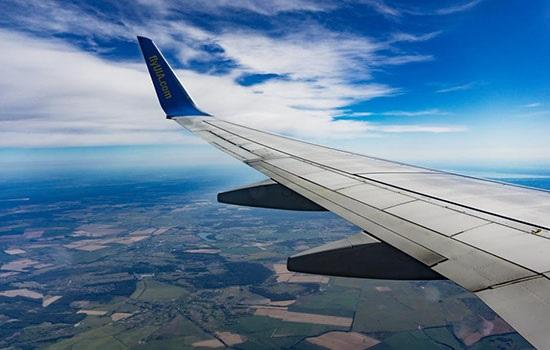 ЕС: авиакомпании обязуются информировать об изменениях во время полета