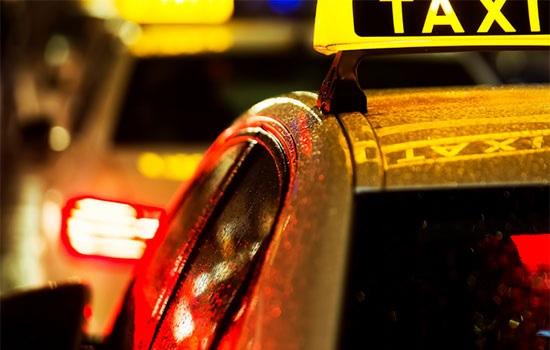 Пассажир за неуплату был забит таксистом