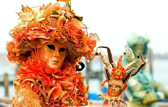 Самый знаменитый карнавал в Европе — Венеция празднует