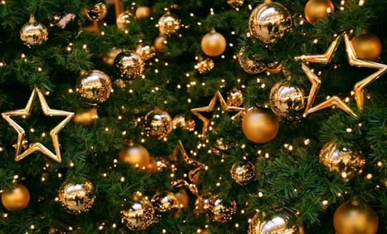 Новогодняя ёлка — символ Нового года: как нарядить дерево чтобы 2020 год был удачным