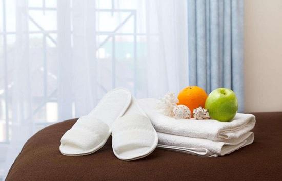 Что увозят с собой посетители отелей: от тапочек до рояля