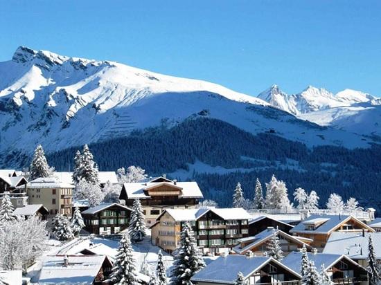 Туристы массово покидают горнолыжные курорты Грузии