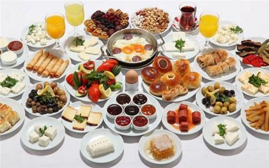 Турецкие рестораны обязали рассказывать туристам о составе блюд