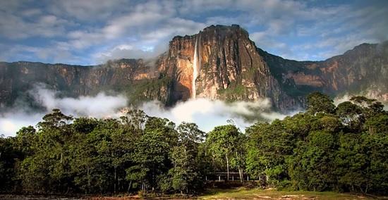 Сальто Анхель - водопад - гигант в Венесуэле