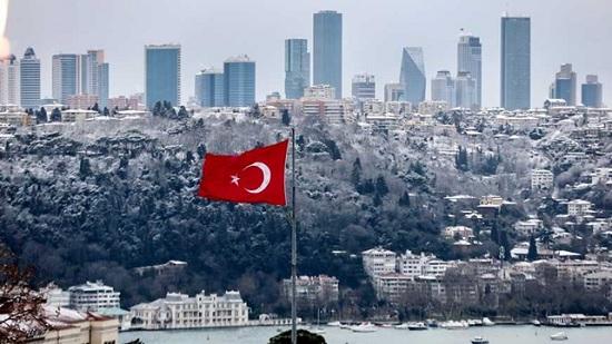 Турцию засыпало снегом