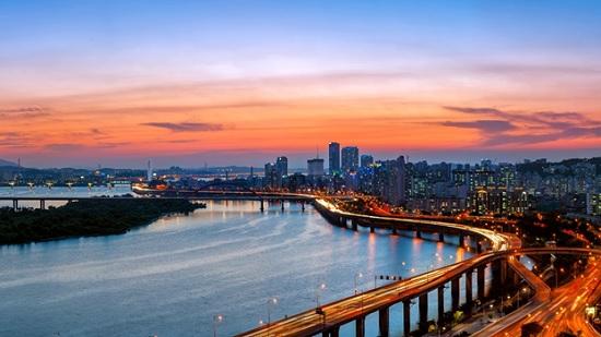 Сеул — город небоскрёбов и красивых людей