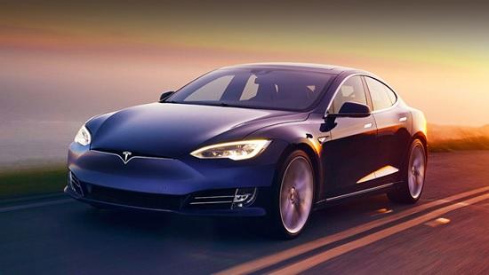 Электромобили Tesla начнут общаться с прохожими