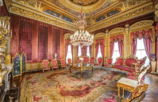 Дворец Долмабахче: наследие архитектуры Барокко