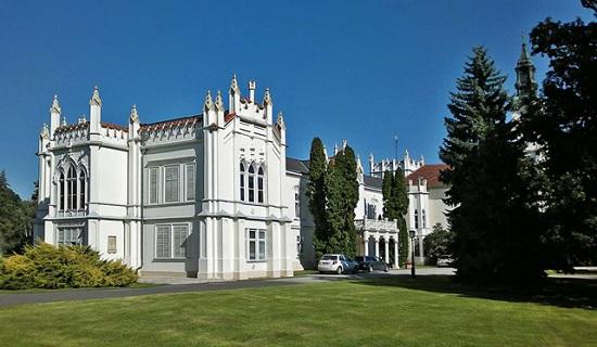 Замок Брунсвик - неоготический замок с богатой историей