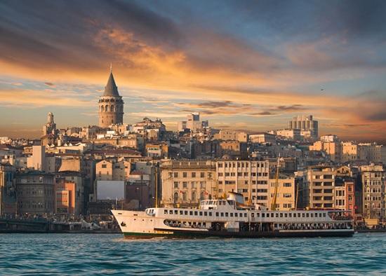 Галата и окрестности Таксима – активная зона всестороннего туристического отдыха в Турции