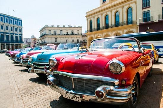 Сальса, сигары и винтажные автомобили: 7 удивительных культурных впечатлений от Гаваны!