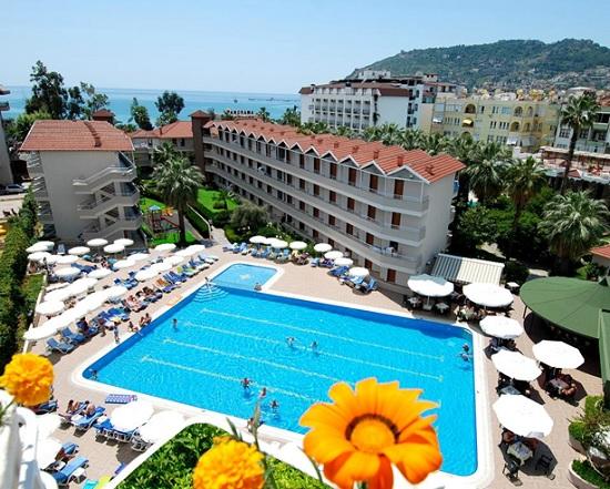 Курортный отдых в эпоху COVID-19: Когда Турция готова открыть курорты для украинцев и будет ли безопасно туда лететь