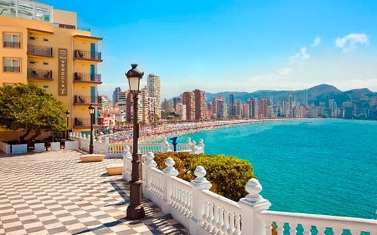 Пора планировать отпуск - Испания открывается для туристов