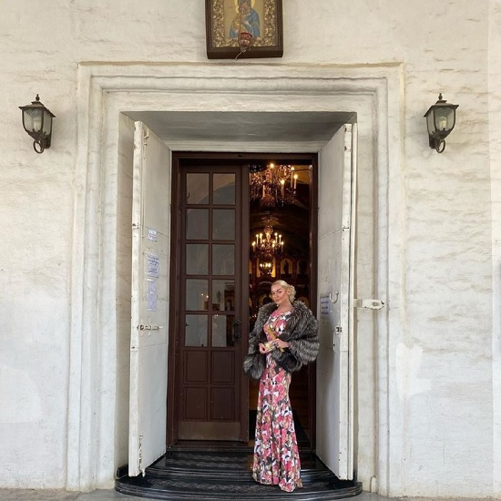 Анастасия Волочкова снова опозорилась: на этот раз в монастыре