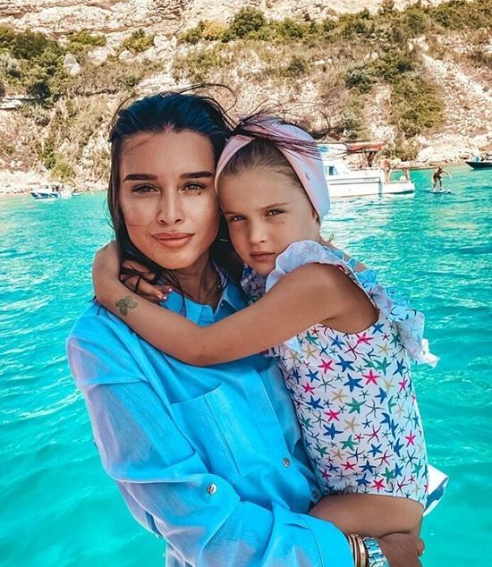 Ксения Бородина возвращается из Турции и грустит об окончании курортного отдыха