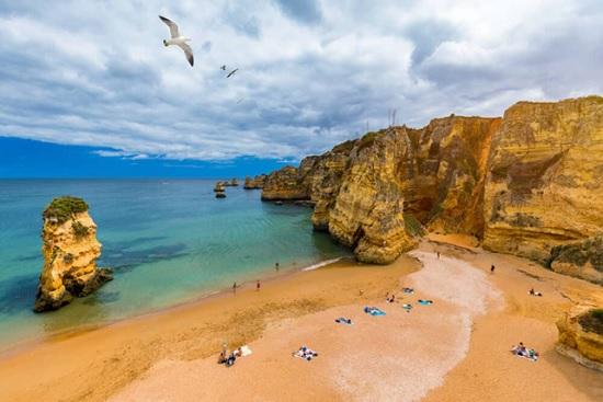 Самые потрясающие пляжи Португалии