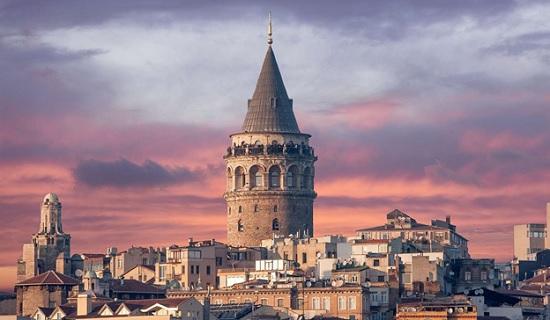 Необычная живопись художника с Украины покорила Стамбул