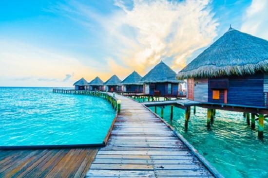 Зимой потоки туристов из Казахстана нацелены на солнечные Мальдивы - до Нового года брони уже нет и всё распродано