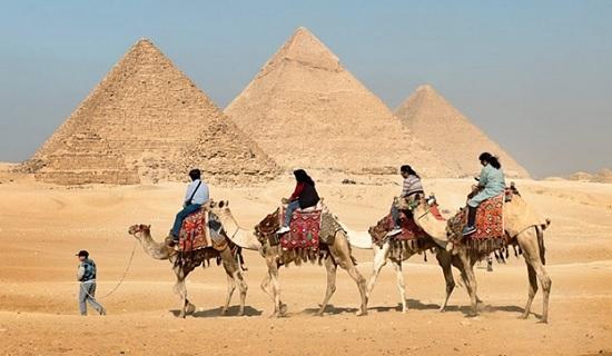 Египет возобновляет прямые полеты на курорты Хургады и Шарм-эль-Шейха