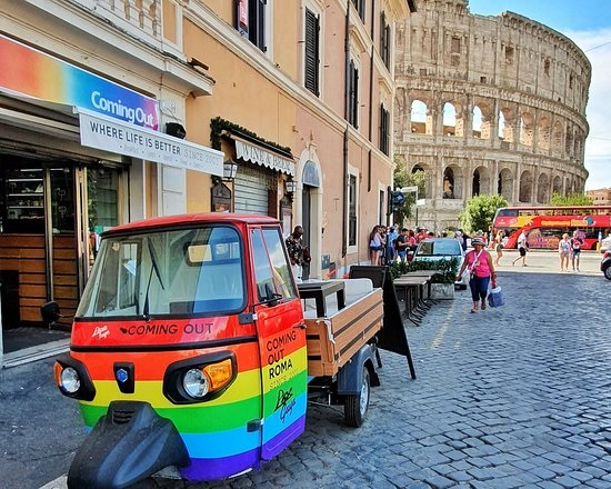 Италия взяла ЛГБТ-туризм в оборот. Российский рынок не одобряет